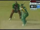 2002: Jonty Rhodes shines in narrow win over WIndies
