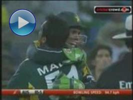 Afridi and Gul humble Aussies: T20 (Dubai) - Part 2 of 2