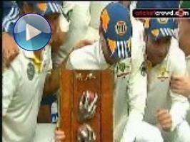Aussies win series, Hussey makes it 3 in a row (SSC)